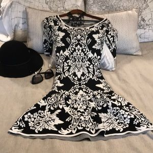 🥂NWOT beautiful design Black & White Dress 🥂